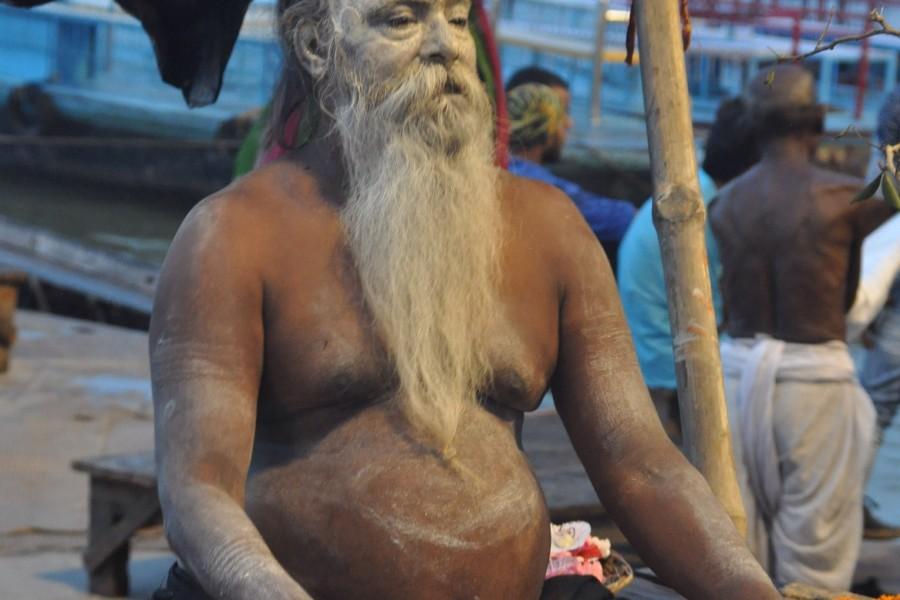 Premières lueurs sur le Gange